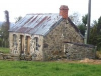 Stone house in excellent condition